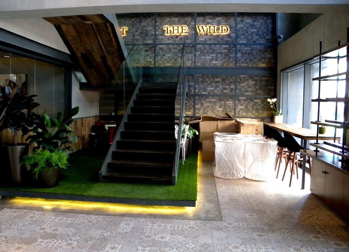 跃式建筑餐厅内景图片