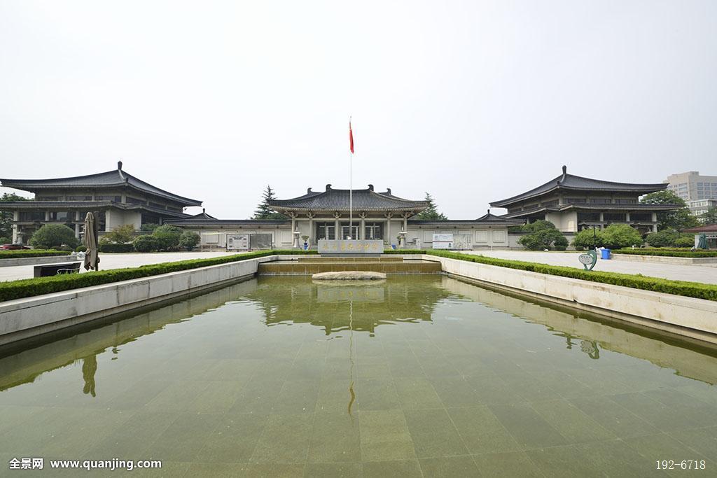 古典风格,建筑外观,古典建筑,水池,池水,水面,屋顶,屋檐,宫殿,中式图片