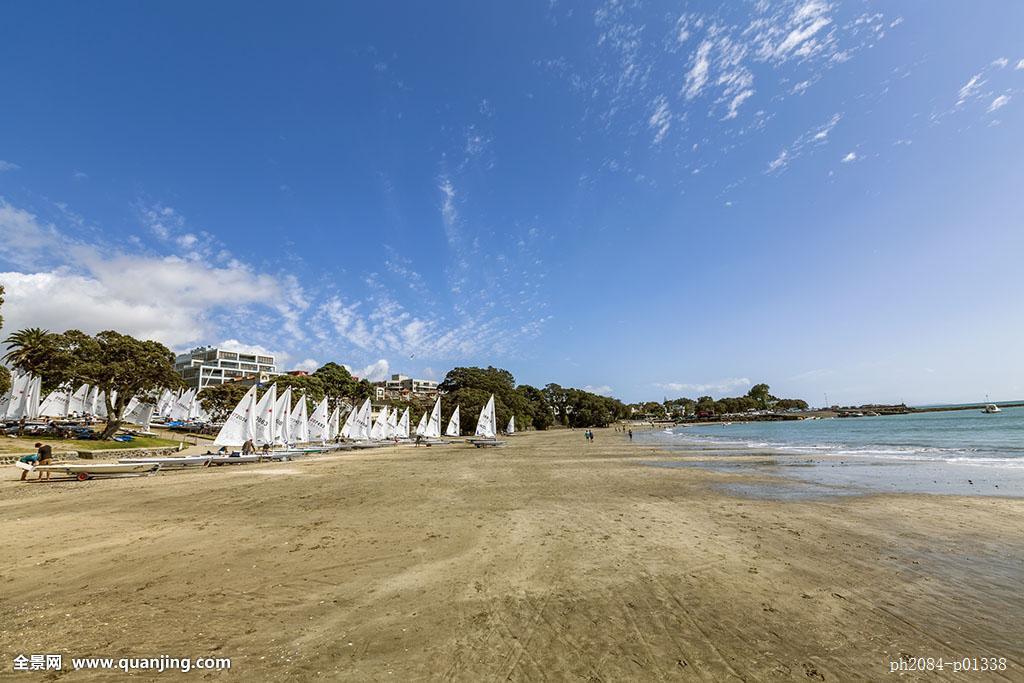 奥克兰,蓝天白云,海湾,海边帆船,海边帆船海滩,白色帆船,海边沙滩图片