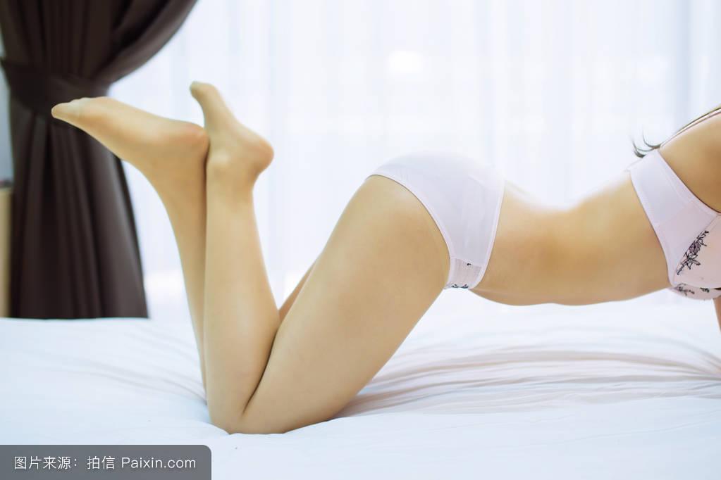 干色姑娘成人网_优雅,黑色,光秃秃的,腿,腰,床,健康,女士,女孩,自然的,背景,淫荡,成人
