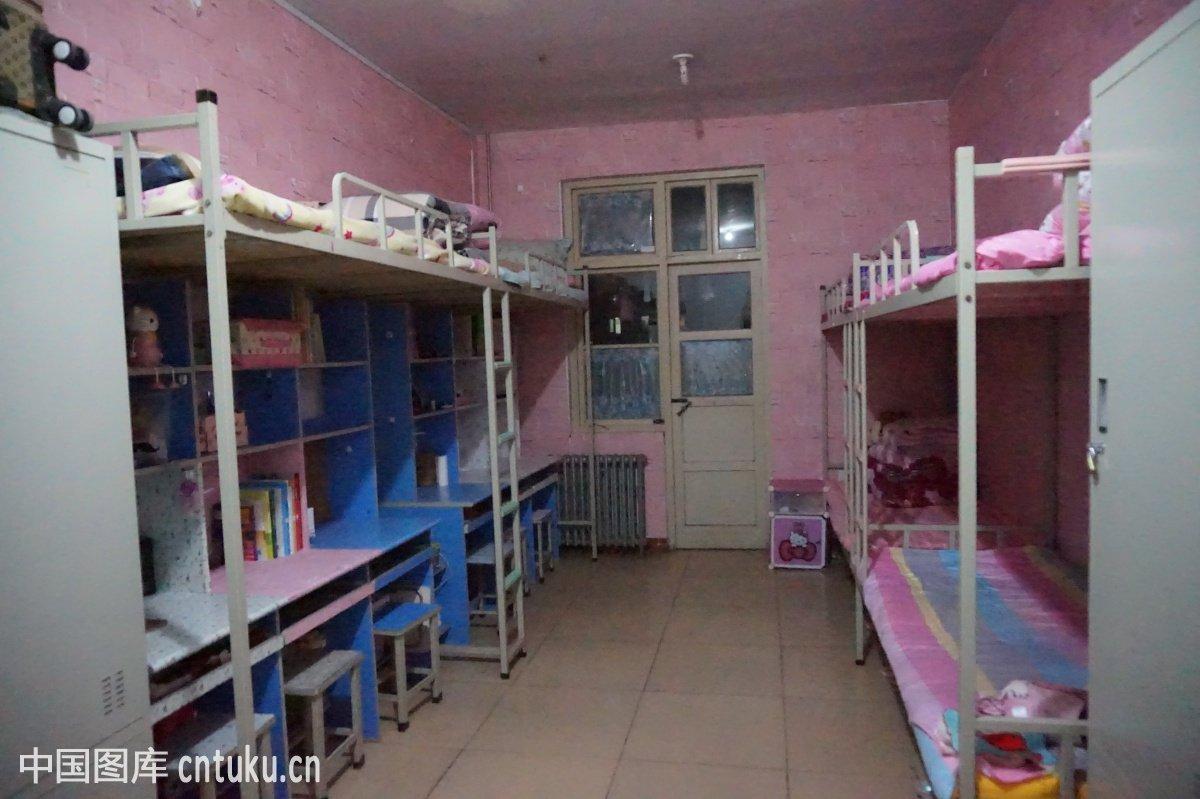 学生宿舍图片
