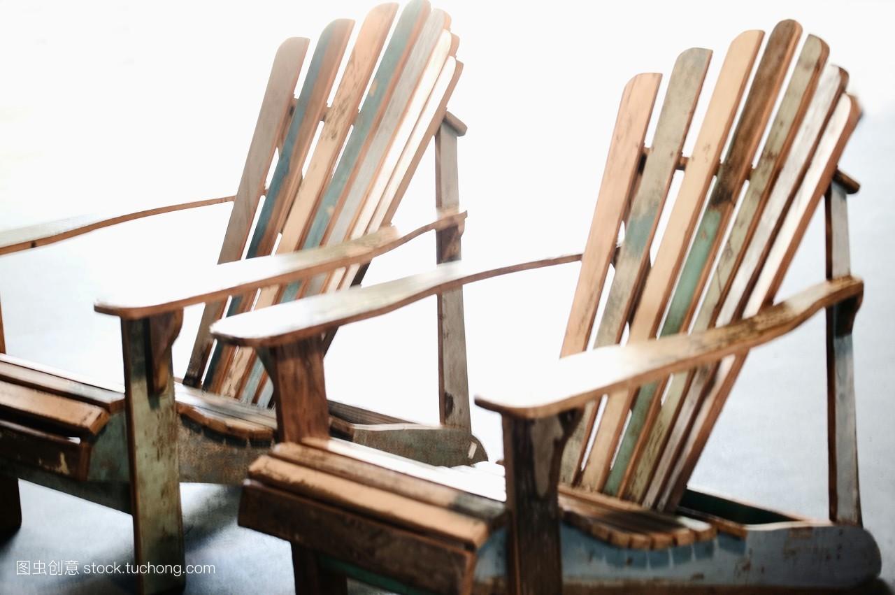 白昼,下午,无人,横图,外观,木材,明亮,坐位,座位,椅子,事情,事物,家具图片