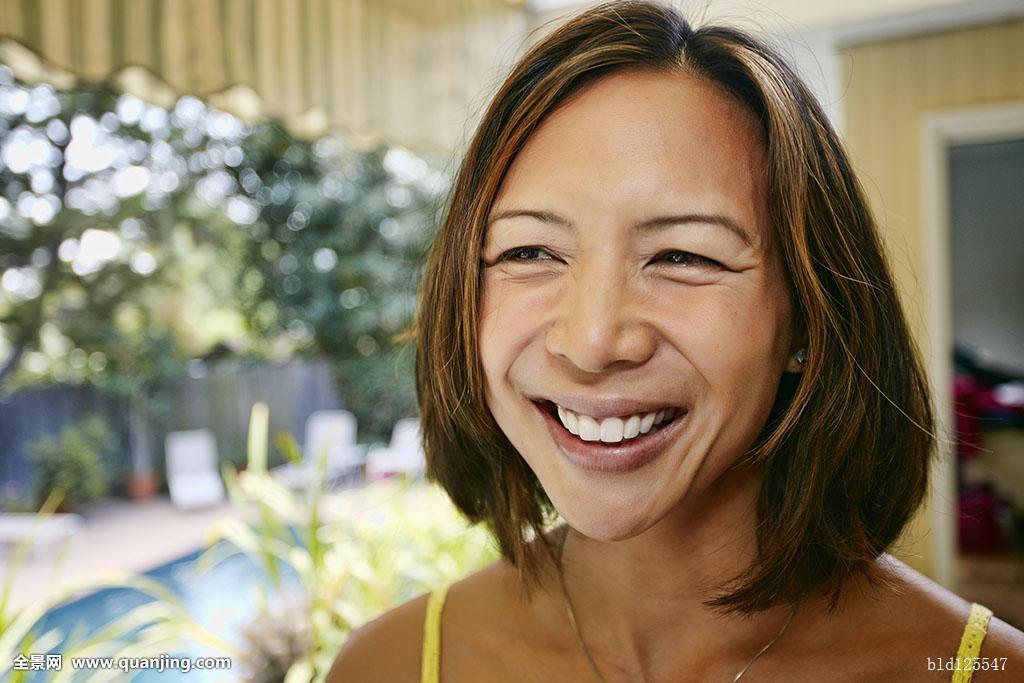 50岁,40岁,花园,头发,头部,肩部,西班牙裔,印度,女士,拉丁美洲人,中年图片