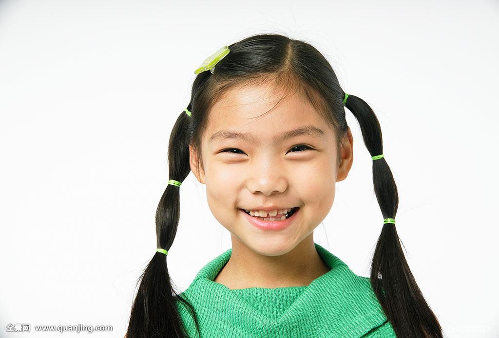 一个人,韩国,上身,室内,孩子,人,局部,笑,亚洲人,女性,表情,正面,微笑图片
