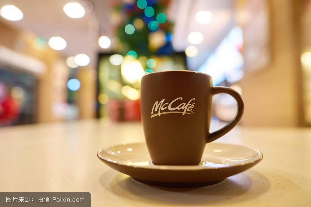 麦当劳咖啡杯子_咖啡,散景,室内的,麦当劳,里面,内部,双重的,麦咖啡,闭合,圣诞节,杯子