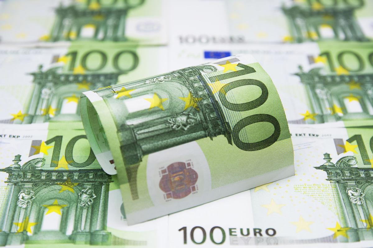 欧元,纸币,钱币,汇率,货币流通,金融,财富,商务,经济,家庭理财,投资图片