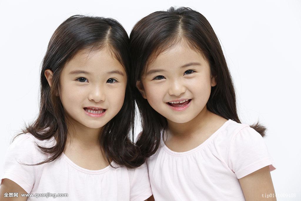 一个,6岁,家庭,情感,可爱,喜悦,长发,白色背景,亚洲人,头部,头发,微笑图片