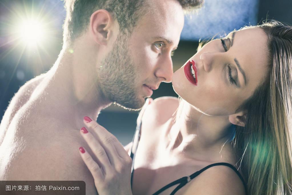 李恩率性爱_前戏,网络性爱,爱,有吸引力的,触摸,激情,诱惑,亲密的,女人,内衣