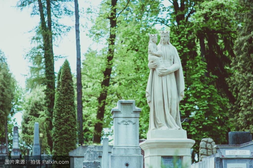 开张大吉���%9ke�f�x�_f�lychakivske公墓,利沃�%
