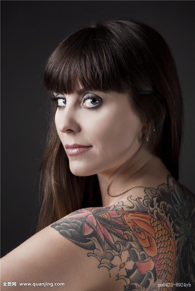欧洲美女喜欢干吞粹f�x�_欧洲纹身美女头像分享展示 (685x1021)