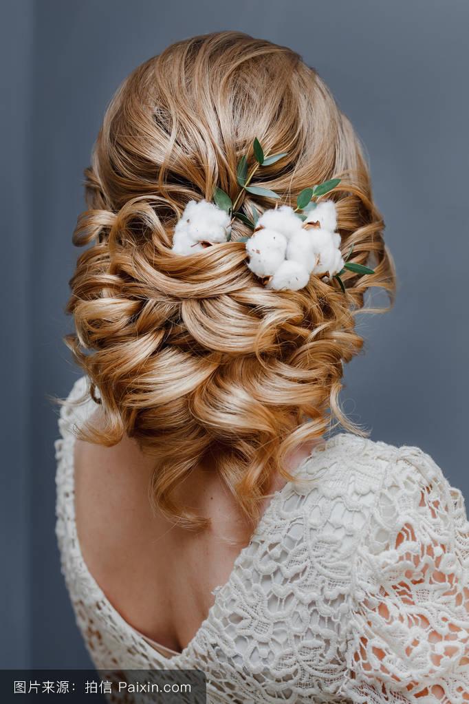 编织美丽发型游戏_编织美丽发型游戏分享展示图片