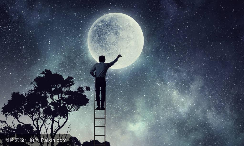 勇敢的��\_月亮的男人.混合媒体