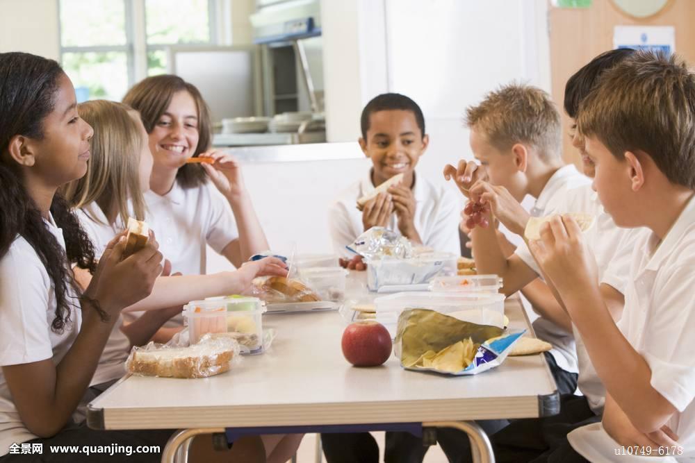自助餐厅,学校,学生,吃饭,坐,食物,儿童,青少年,孩子,非洲,美国人图片