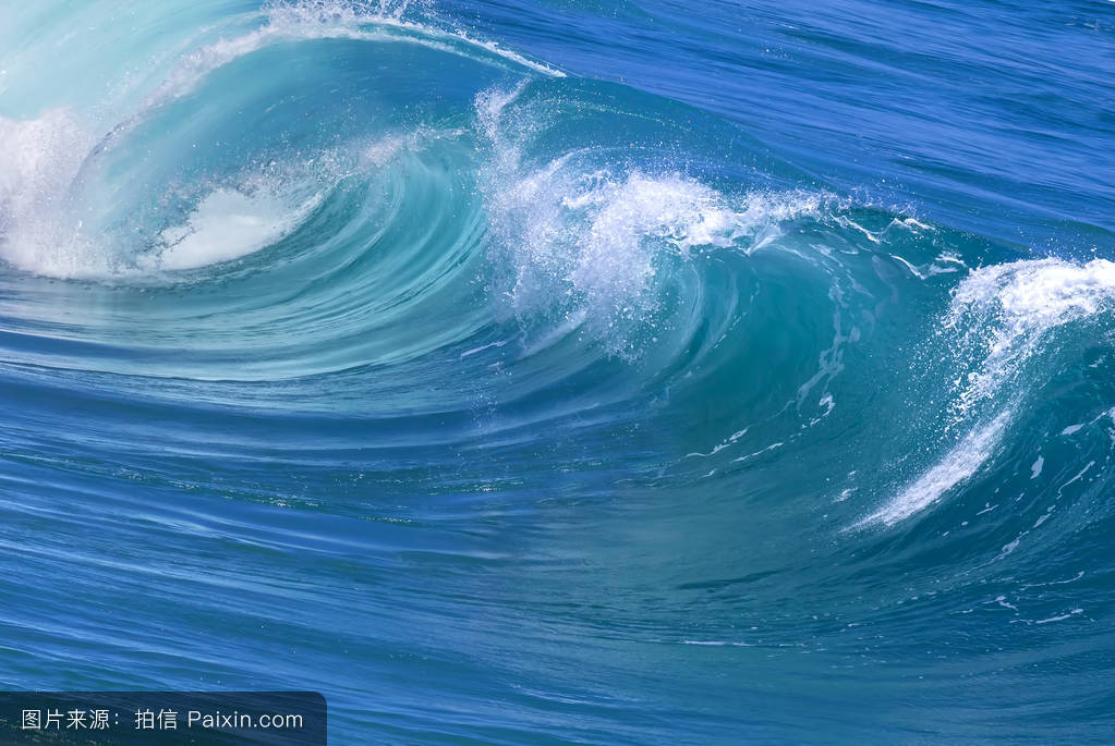 http://s1.sinaimg.cn/large/002V3azvzy7dzfr9vk521_blue large powerful ocean wave