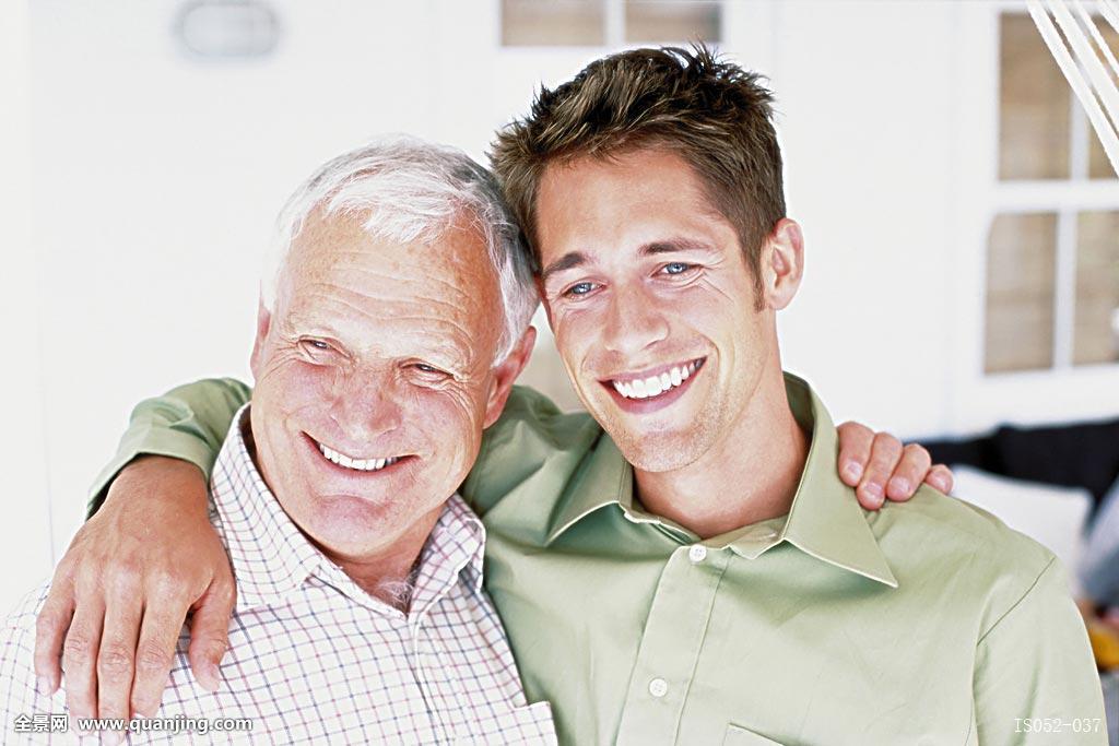 孙茺#.i[NZ�K�nY_成年,愉快,愉悦,满意,爸爸,情感,家庭,父亲,父爱,爷爷,孙,孙辈,祖