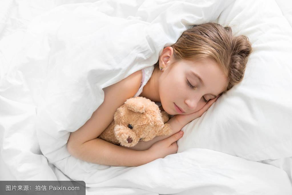 早晨,床上用品,小孩,床单,女孩,睡着的,女儿,玩具猫,积木,美女,儿童乐高v小孩简单长毛图片