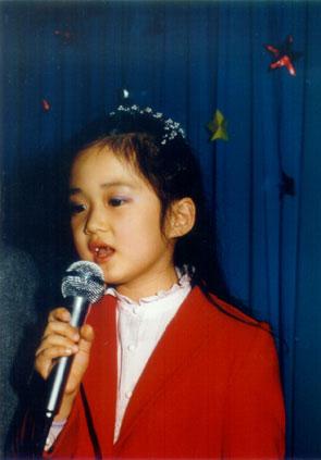 张娜拉小时候照片_【NARA-0718-图图】娜拉小时候的照片,可耐啊~~_张娜拉吧_百度贴吧