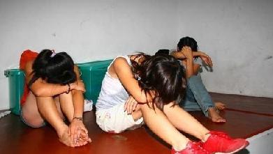 强奸处女美囌N\_人性沦丧:亲生父亲为了满足性欲,强奸还是处女的亲生女儿