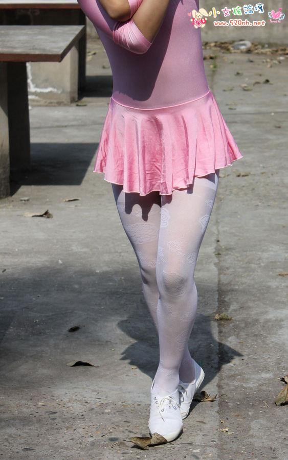 小女孩穿白丝连袜 女生穿白丝连袜 女_体罚白色连裤袜女孩-白色连裤袜家规体罚|白色连裤袜体罚|白色 ...