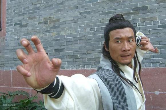 农民伯伯乡下姝_农民伯伯乡下妹的男主角之一,陈伟(饰演周公子),谁有他其他的作品?