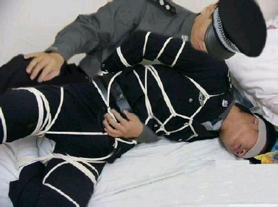 军警被虐_绑架帅哥_绑架白袜帅哥_帅哥被绑架封嘴_白袜子帅哥被绑架 - www ...
