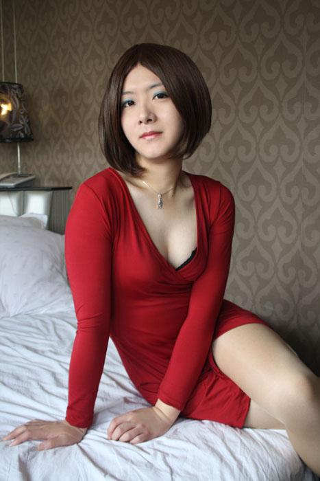 伪娘变装_姐最近的床照,有料图片