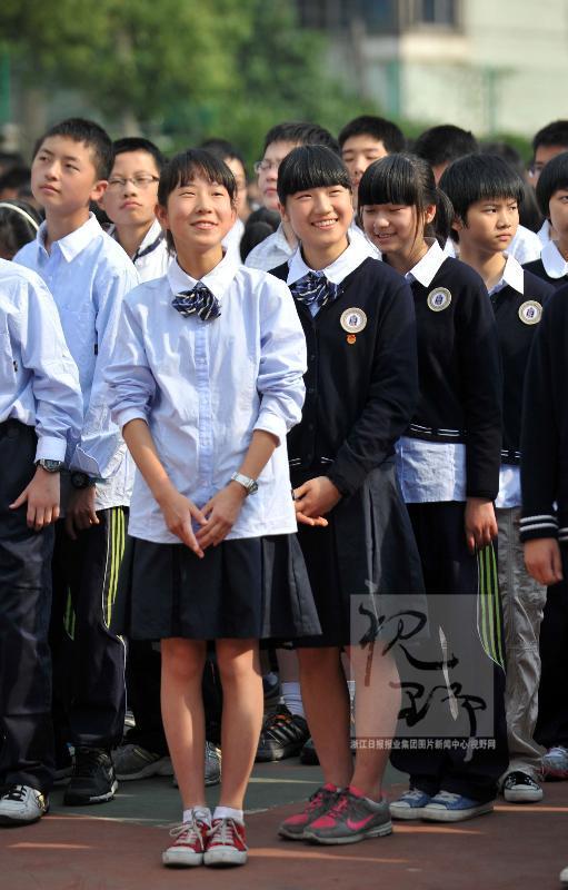 杭州湾职高校服图片_来看看其他学校的校服(挺养眼的)和我们学校的校服对比下 ...