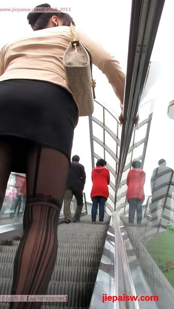丝袜骚穴小�_街拍黑丝美臀电梯自摸丝袜_黑丝吧_百度贴吧