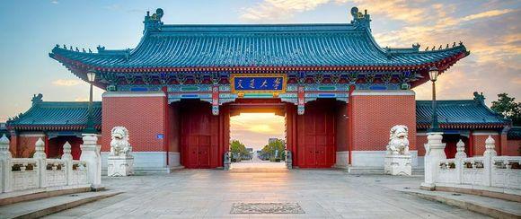 上海交大闵行校区_请问这张霸气的校门,是上海交大哪个校区的校门啊?【上海 ...