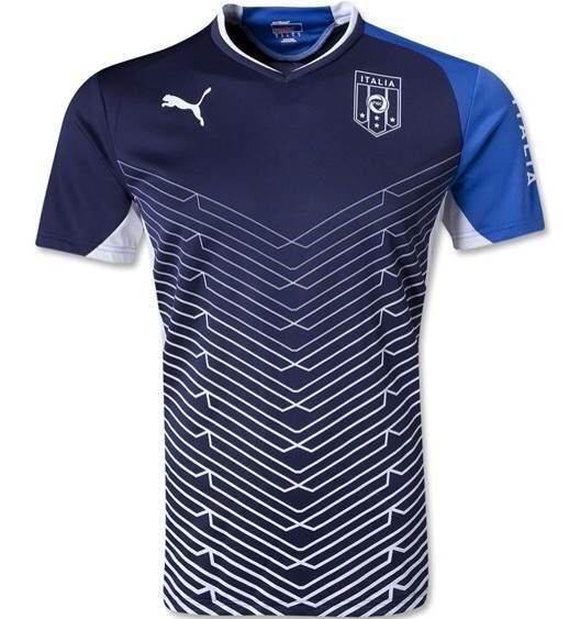这是意大利队的哪个时候球衣?