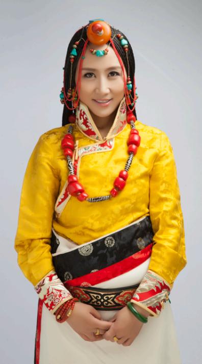 央金兰泽_藏族美女歌手央金兰泽