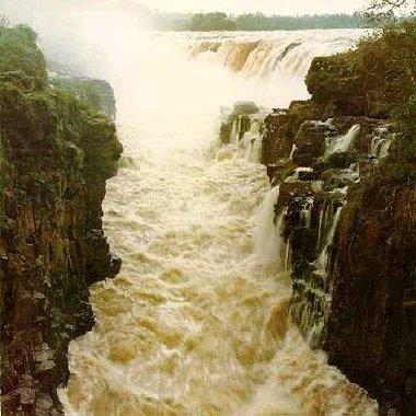 ianya dikatakan air tejun yang terbesar di dunia.