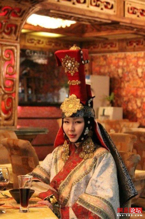 [cp]搜了一下那个world nomad game[二哈]意外刷到了带姑姑冠的蒙古