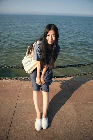 嫂子的水真多_回复: > 微笑倾城  > 【真人版】校花校草同译微微,只