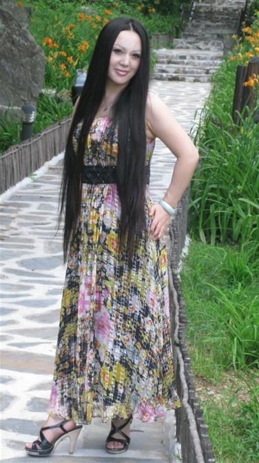 日本丰满人妻的名字_超美艳的长发丰满少妇人妻图片