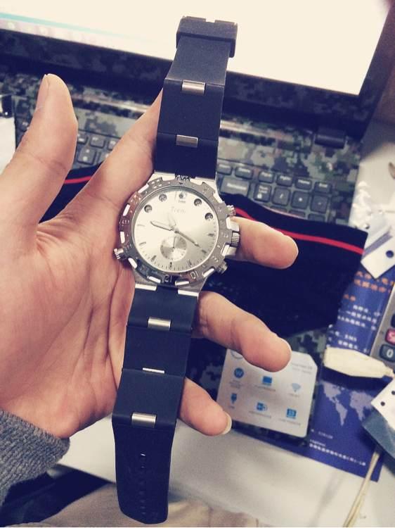 偷拍手表买_再送一个偷拍手表.