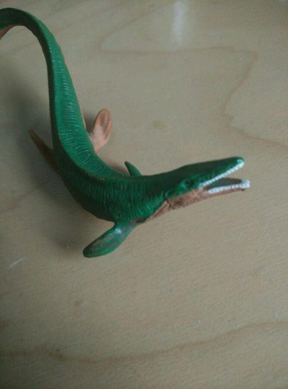 有肏死的女人吗_一个被鲨鱼肏死的农民工的灵魂+恐龙黑
