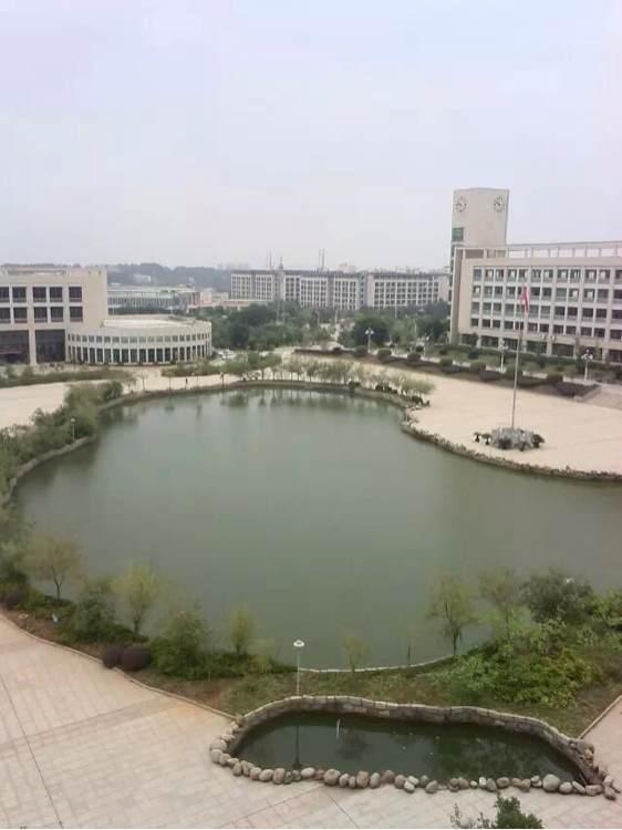 赣州卫校_有没有同学能发几张赣州卫校的图片,顺便告诉我录取分数线!