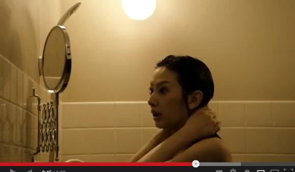 rihantoukuidianying_【0913新闻】电影《室友》偷窥北川景子全裸入浴 与深