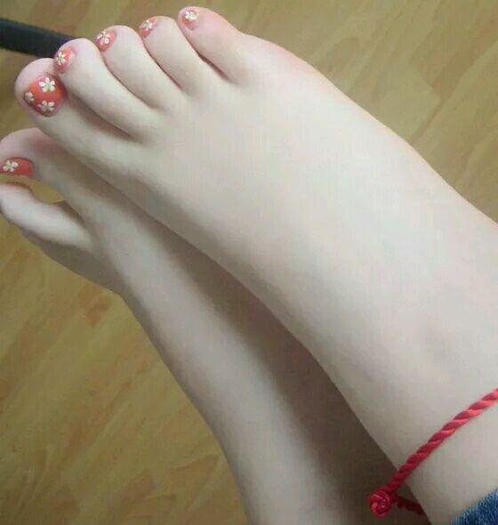 最爱大骚脚_为什么我那么喜欢女生的脚啊