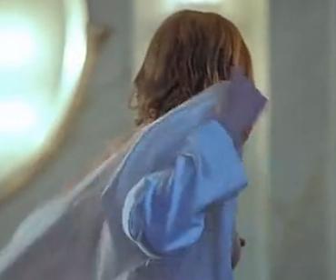 逍遥刀仙女主角��.�9.b_回复:电影【生化危机1】露点镜头 女主角b都露出来了.