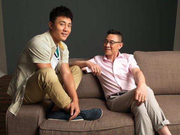 杜淳的父亲杜��f�_【淳真年代150612】[图片]杜小淳和杜爸爸,满满的爱