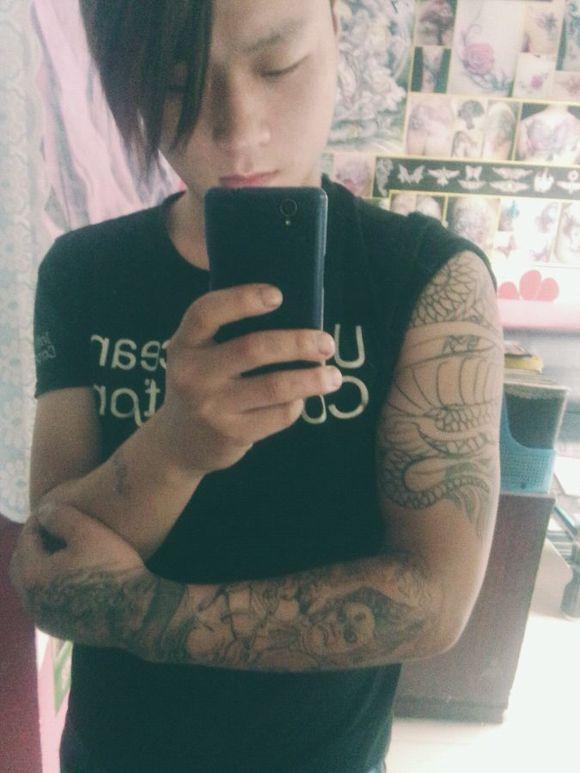 男子下体文身_纹身图案 男后背纹身图案 钟馗 > 下体纹身乱后人:更有甚者  下体纹身