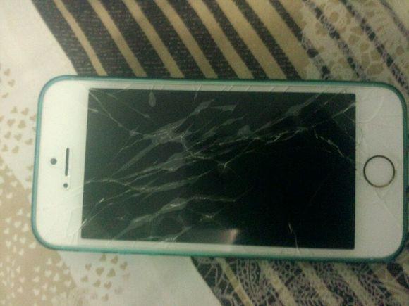 plus屏幕摔碎照片_iphone5s碎屏_iphone碎屏_碎屏险-久久图片视频
