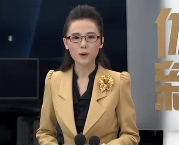【體育晨報】2013.12.04.主持人楊一圖片
