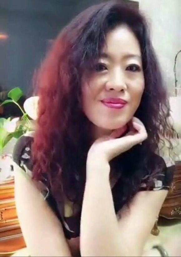 中文字幕老女人热爱_老女人喜欢吗?