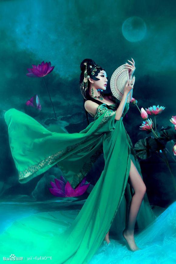 女性生植噐艺术照_拍艺术照怎样摆姿势