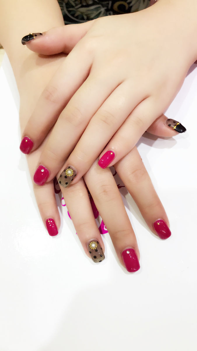 涂指甲的手指圖片
