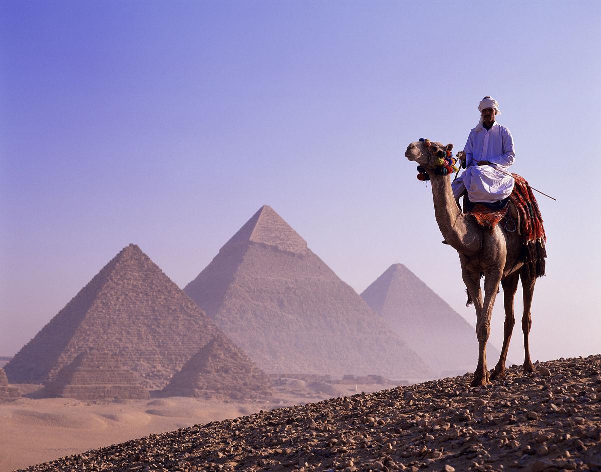 地形,沙漠,白晝,沙丘,開羅,吉薩,吉薩金字塔群,傳統服裝,一個人,埃及圖片