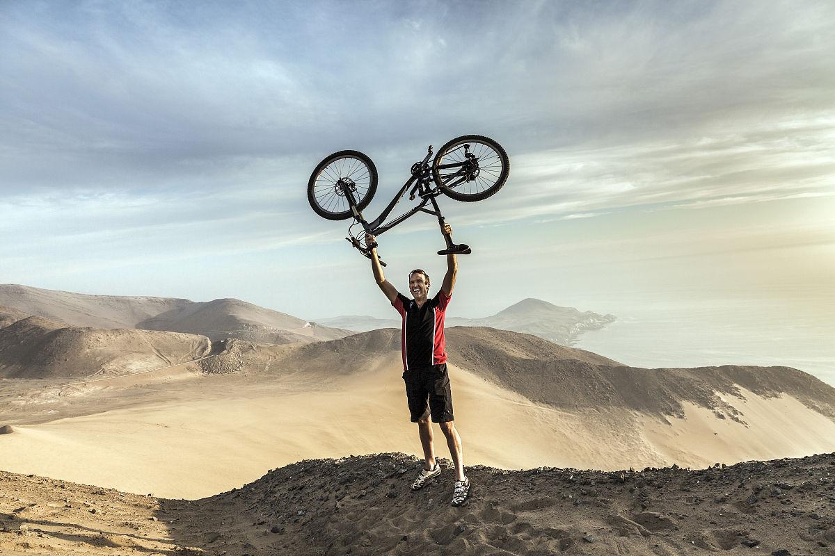 旅行的人,自由,商務旅行,30歲到34歲,一個人,肖像,辣椒,阿塔卡馬沙漠圖片